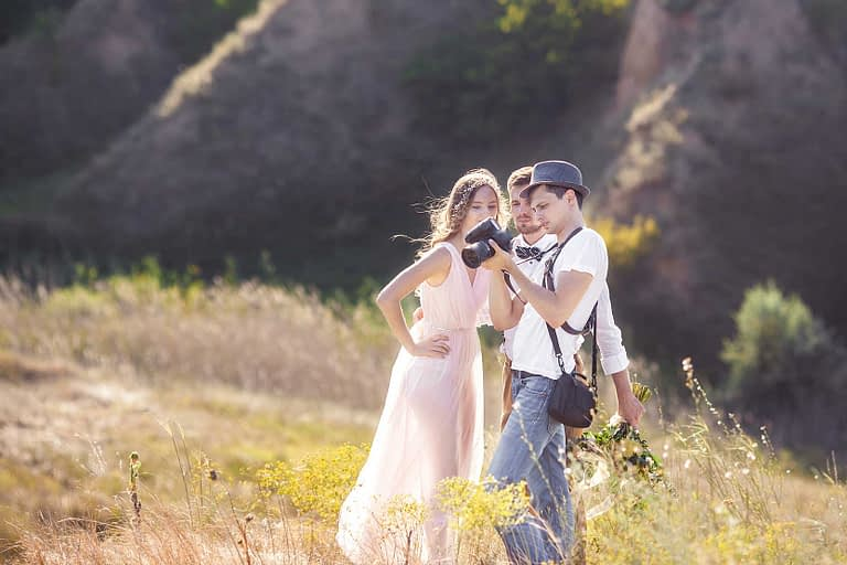 10 Useful Tips for Wedding Photographers